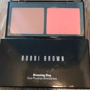 Bobbi Brown bronzing powder duo illuminating